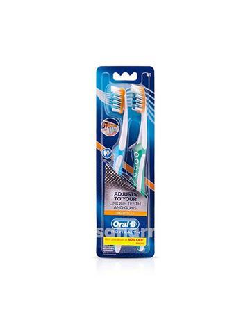 Oral B Pro Health SmartFlex Crisscross Toothbrush (2 N)