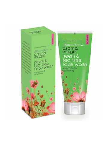 Blossom Kocchar  Aroma Magic neem and tea tree face wash 100ml