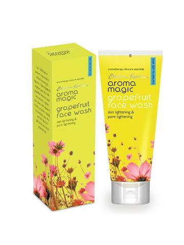 Blossom Kocchar  Aroma Magic grape fruit face wash 100ml
