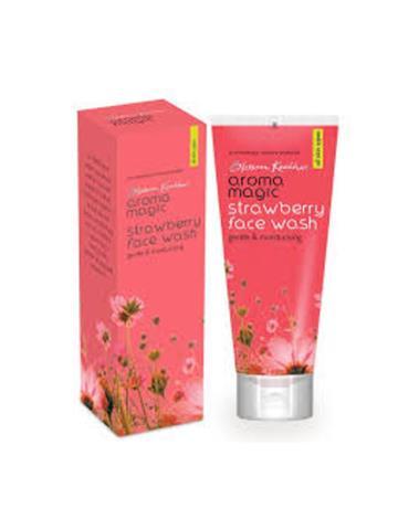 Blossom Kocchar  Aroma Magic  Strawberry face wash 100ml